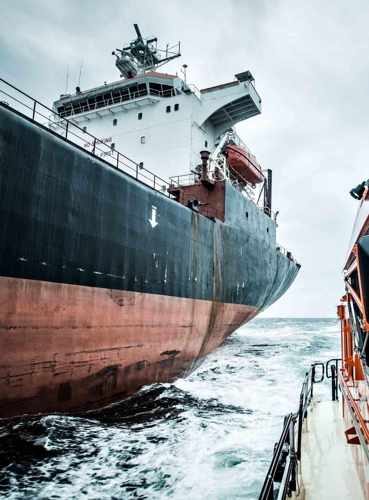 Skip på vei inn til Grenland Havn